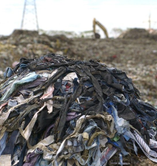 BANGLADESH_TEXTILE_WASTE-From-the-film-true-cost1024x576